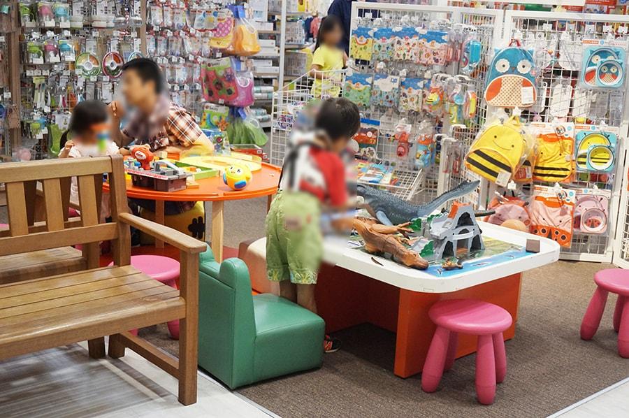 イオンナゴヤドーム前で子供が無料で遊べるところ