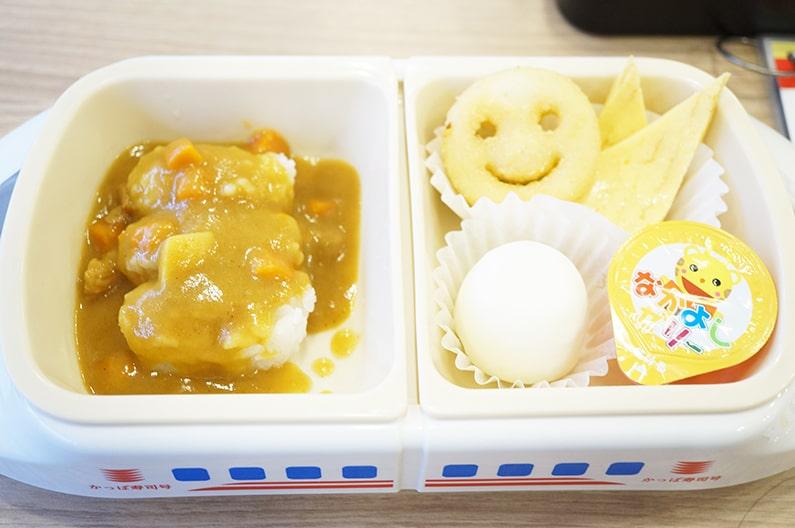 かっぱ寿司の子供用セット。ガチャガチャのおもちゃつきでおすすめ!