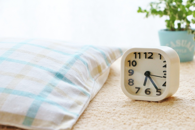 子供が早く寝るようになる照明の使い方!寝室よりリビングの明るさが大切!