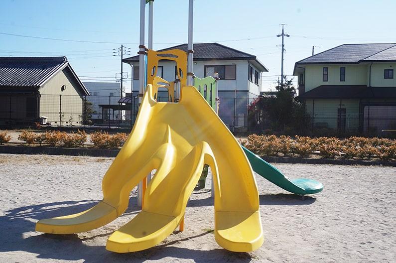 バナナの滑り台が楽しい!春日井市城田公園を紹介。