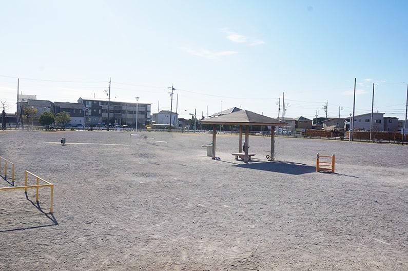 春日井市道風公園を紹介。駐車場完備!筆モチーフの遊具が面白い。